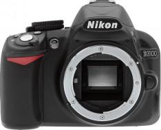 body Nikon D3100