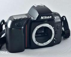body Nikon F70 trưng bày