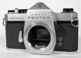 body pentax spotmatic F trưng bày