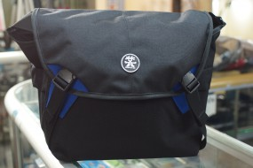 Crumpler 7 million dollar home blue black