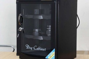Tủ chống ẩm Fujie DHC-040 (40 lít)