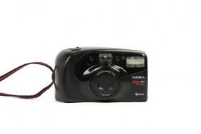 Yashica Elite 70 zoom (lens 38-70mm)